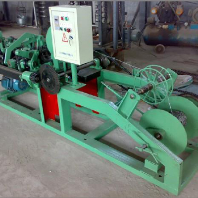 blade stabbing rope net machine